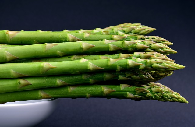 Asparagus without beetles.