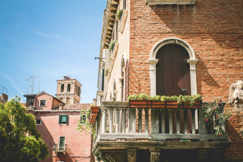 Balcony pest free.