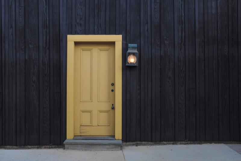 A bug-free door.