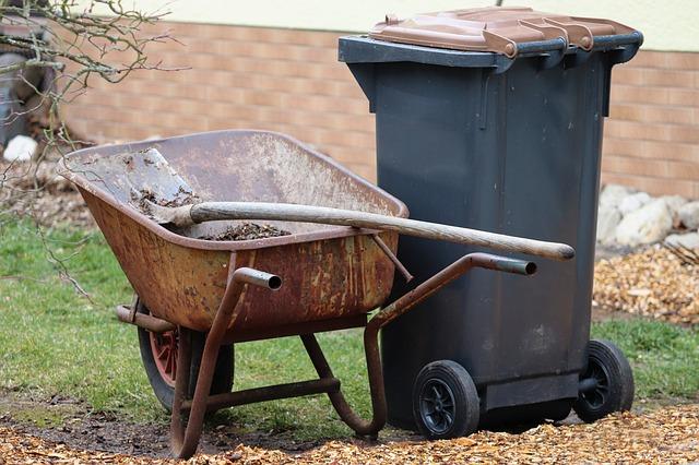 Clean garden repels bugs.
